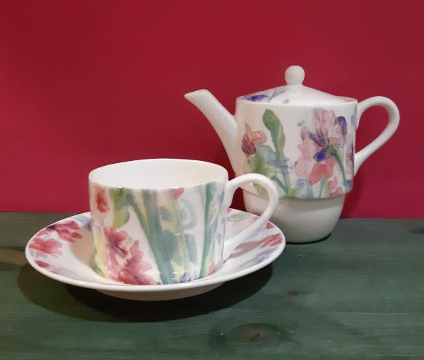 Tea for One Lirios